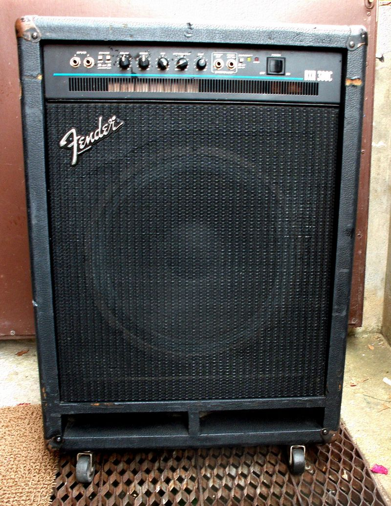 fender bxr300c bass guitar combo amp 55000 huf elad gs fanatic. Black Bedroom Furniture Sets. Home Design Ideas
