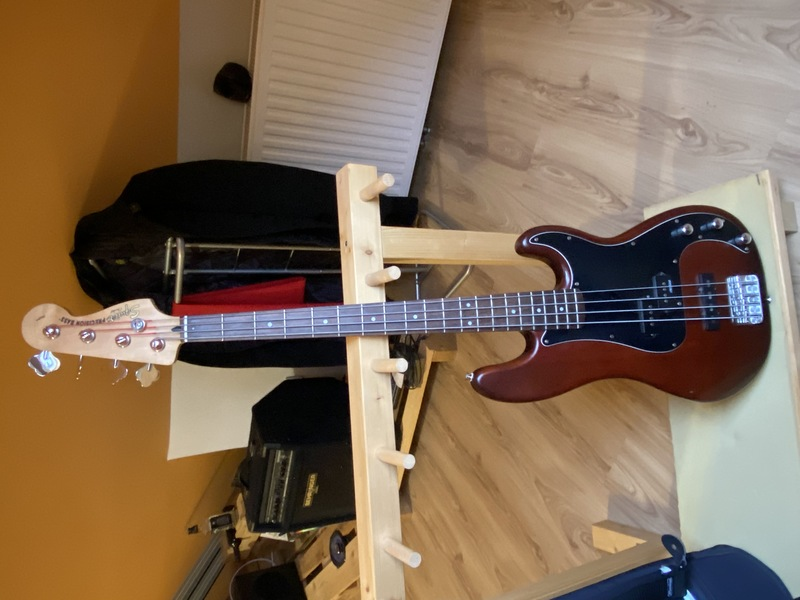 Squier Fender Squier Precision Bass Bass guitar