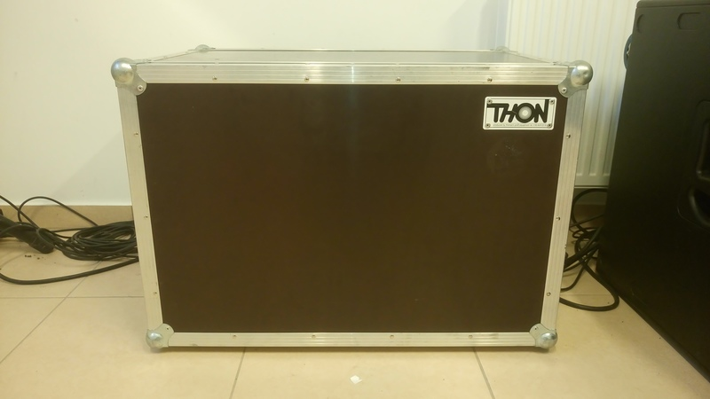 Thon  Rack container
