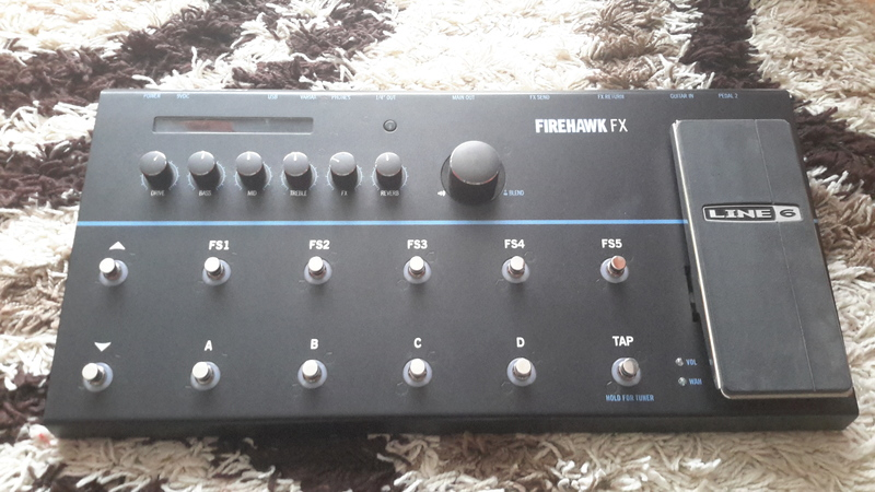 Line6 FIREHAWK FX Multi-effect processor