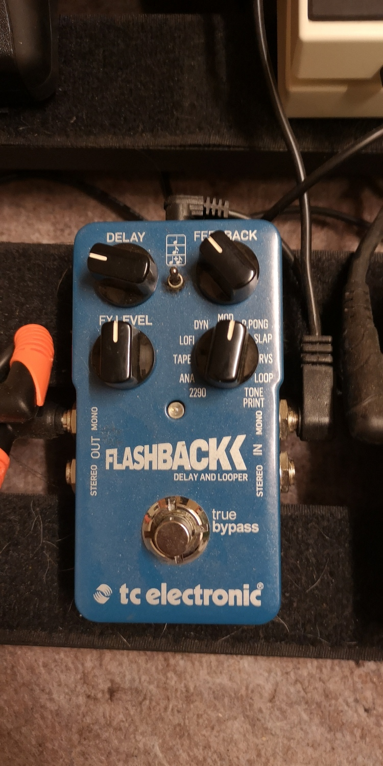 TC Electronic Flashback Pedál