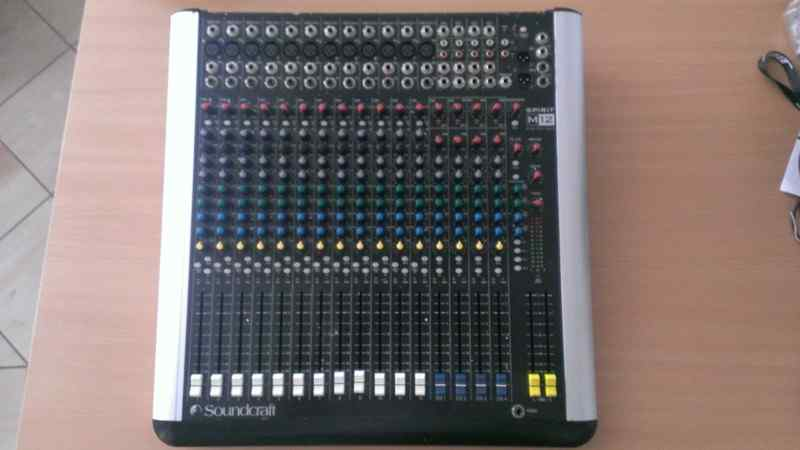 Soundcraft SPIRIT M12 Keverőpult